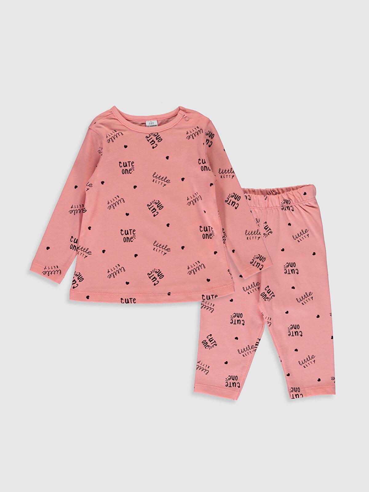 Kız Bebek Yazı Baskılı Pamuklu Pijama Takımı - LC WAIKIKI