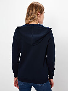 Kadın Kapüşonlu Fermuarlı Sweatshirt