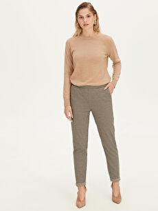 %81 Polyester %18 Viskoz %1 Elastan Normal Bel İnterlok Pantolon Kendinden Desenli Pantolon