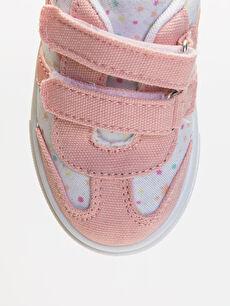 LC Waikiki Beyaz Kız Bebek Cırt Cırtlı Spor Ayakkabı
