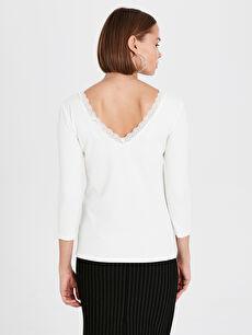 Kadın V Yaka Dantel Detaylı Tişört