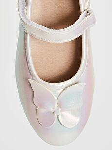 LC Waikiki Ekru Kız Çocuk Fiyonk Detaylı Cırt Cırtlı Babet Ayakkabı