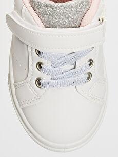 LC Waikiki Beyaz Kız Bebek Cırt Cırtlı Günlük Ayakkabı