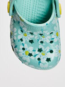 LC Waikiki Mavi Kız Bebek Çiçek Baskılı Sandalet