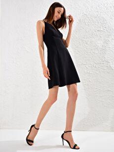 Appleline Beli Dekolte Detaylı Askılı Elbise