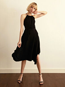 Halter Yaka Sırt Detaylı Elbise