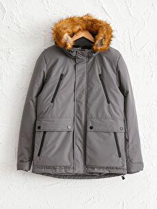 Дебело палто с качулка със стандартна кройка
