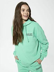 Kapüşonlu Slogan Baskılı Uzun Kollu Kadın Sweatshirt