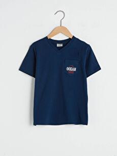 V Yaka Baskılı Cep Detaylı Kısa Kollu Pamuklu Erkek Çocuk Tişört