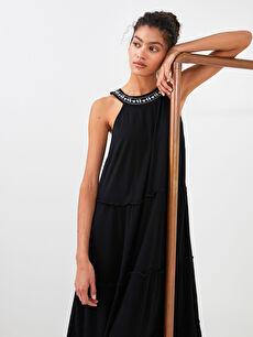 LCW CASUAL Nakışlı Halter Yaka Kolsuz Krinkle Kumaş Kadın Elbise