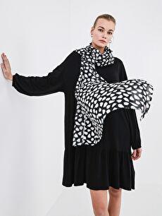 Patterned Women's Shawl