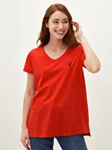 LCW CLASSIC V Yaka Nakışlı Kısa Kollu Kadın Tişört
