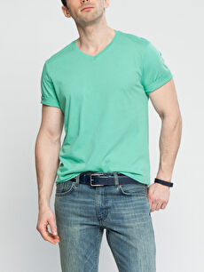 Kısa Kollu V Yaka Tişört