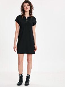Yaka Detaylı Düz Kesim Mini Elbise