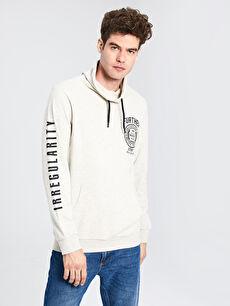 Keşiş Yaka Baskılı Uzun Kollu Sweatshirt