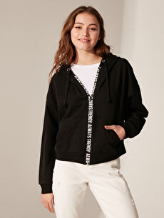 Slogan Şerit Detaylı Kapüşonlu Sweatshirt