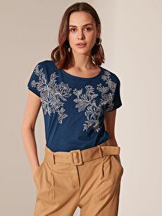 Çiçek Desenli Pamuklu Tişört