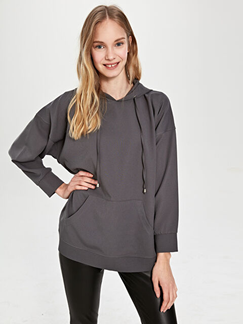 Nisan Triko Kapüşonlu Sweatshirt - Markalar