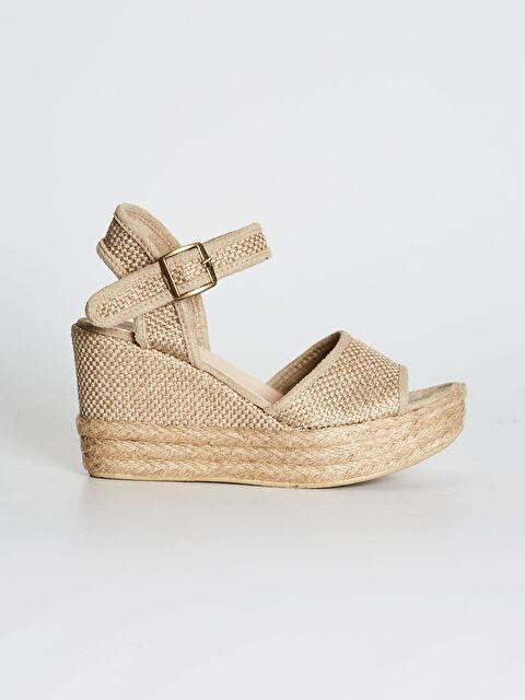 Kadın Hasır Taban Detaylı Dolgu Topuk Sandalet - LC WAIKIKI