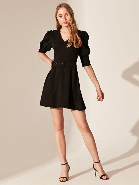 Nisan Triko Kemerli Balon Kol Kloş Elbise - Markalar