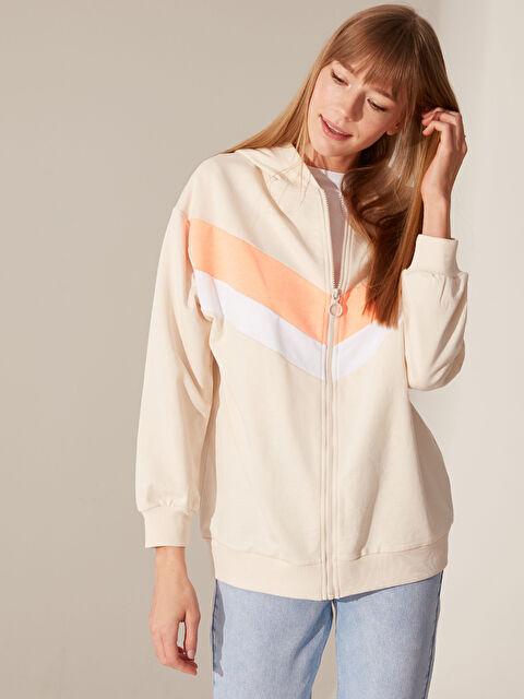Şerit Detaylı Kapüşonlu Fermuarlı Sweatshirt - LC WAIKIKI