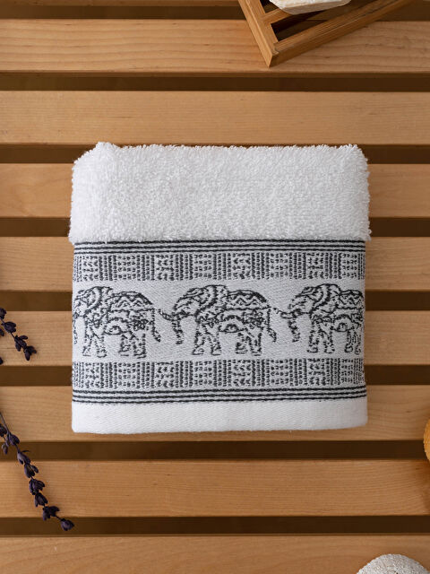 Patterned Jacquard Hand Towel 30x50 Cm - LCW HOME