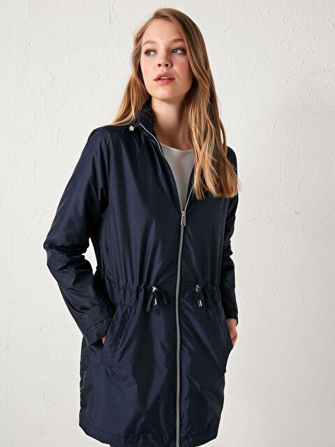 Hooded Zipper Raincoat - LC WAIKIKI