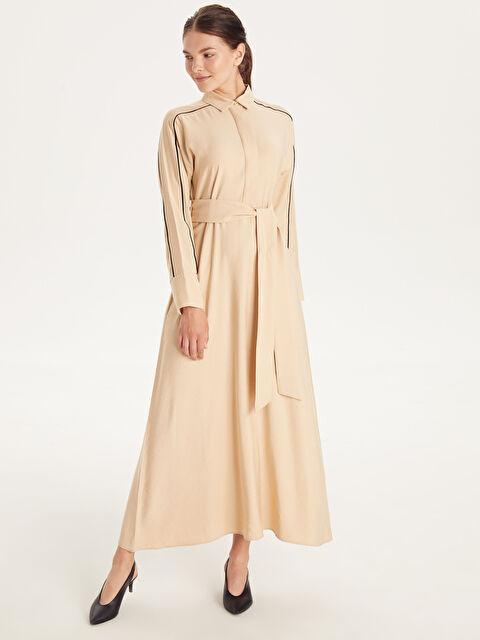 Kendi Kumaşından Kuşaklı Uzun Viskon Elbise - LC WAIKIKI