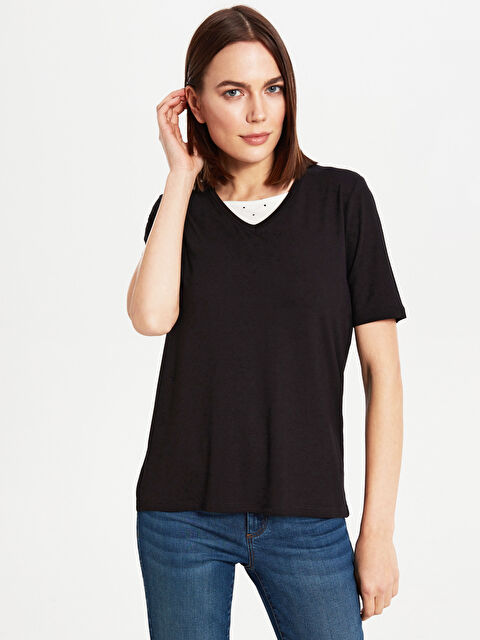 Yaka Detaylı Viskon Basic Tişört - LC WAIKIKI