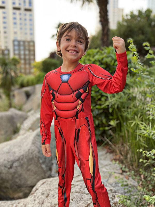 Bisiklet Yaka Uzun Kollu Erkek Çocuk Avengers Kostüm - LC WAIKIKI