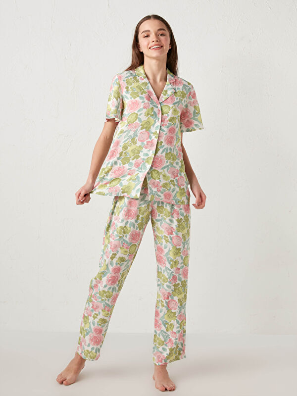 Gömlek Yaka Çiçek Baskılı Kısa Kollu Viskon Kadın Pijama Takımı - LC WAIKIKI