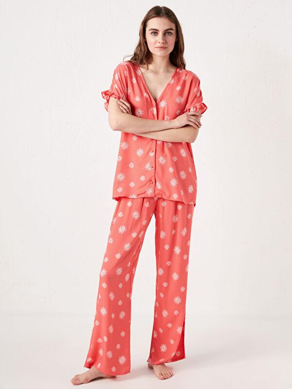 V Yaka Çiçek Baskılı Kısa Kollu Viskon Kadın Pijama Takımı - LC WAIKIKI