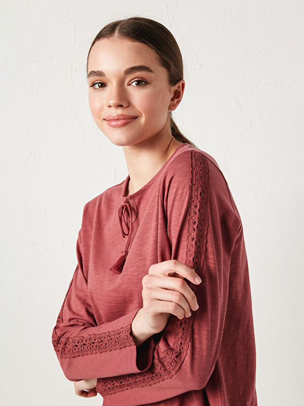 Bağlamalı Yaka Dantel Detaylı Uzun Kollu Pamuklu Kadın Bluz - LC WAIKIKI