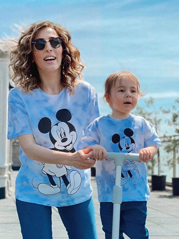 Bisiklet Yaka Kısa Kollu Mickey Mouse Baskılı Pamuklu Erkek Bebek Tişört Anne Oğul Kombini - LC WAIKIKI