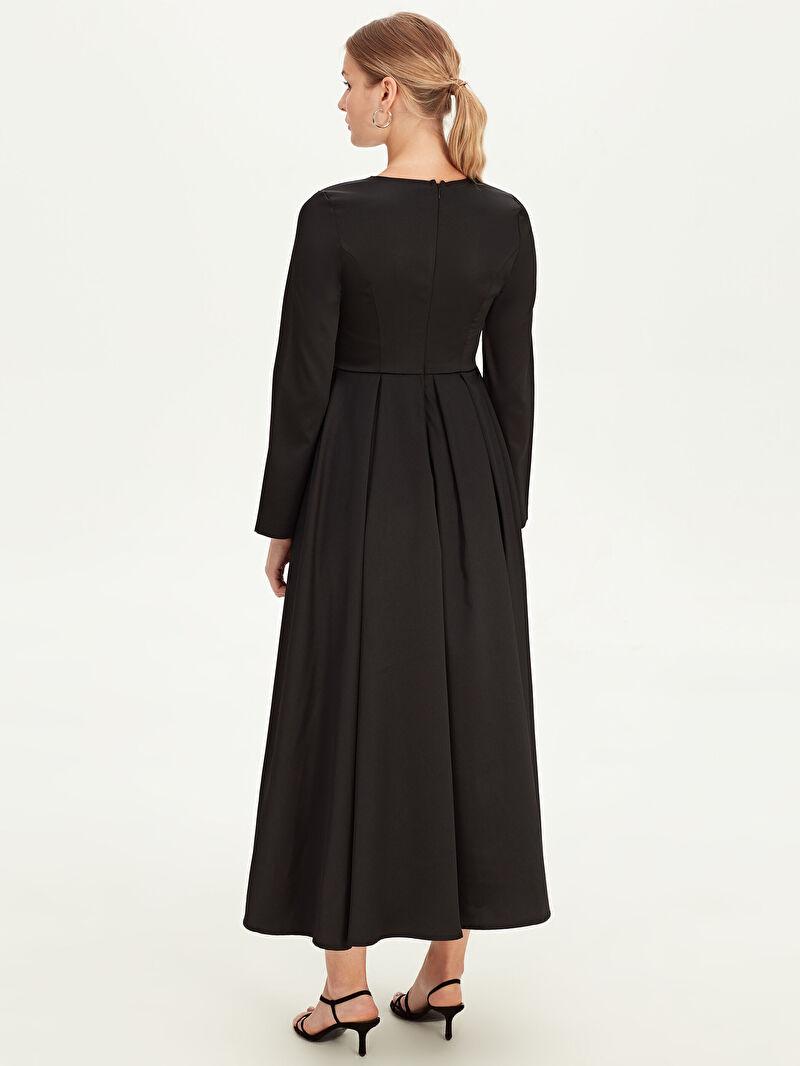LC Waikiki Siyah Uzun Kloş Abiye Elbise