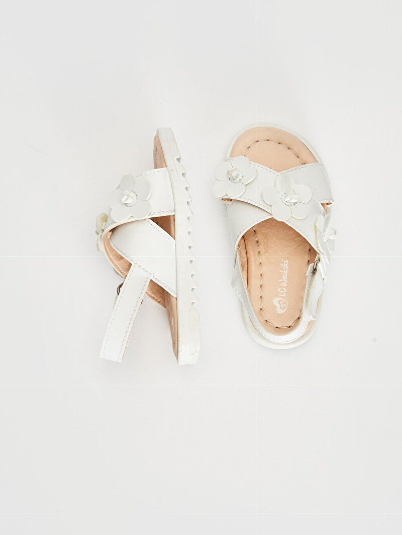 Beyaz Kız Bebek Çiçek Detaylı Çapraz Bantlı Sandalet 0SH892Z1 LC Waikiki