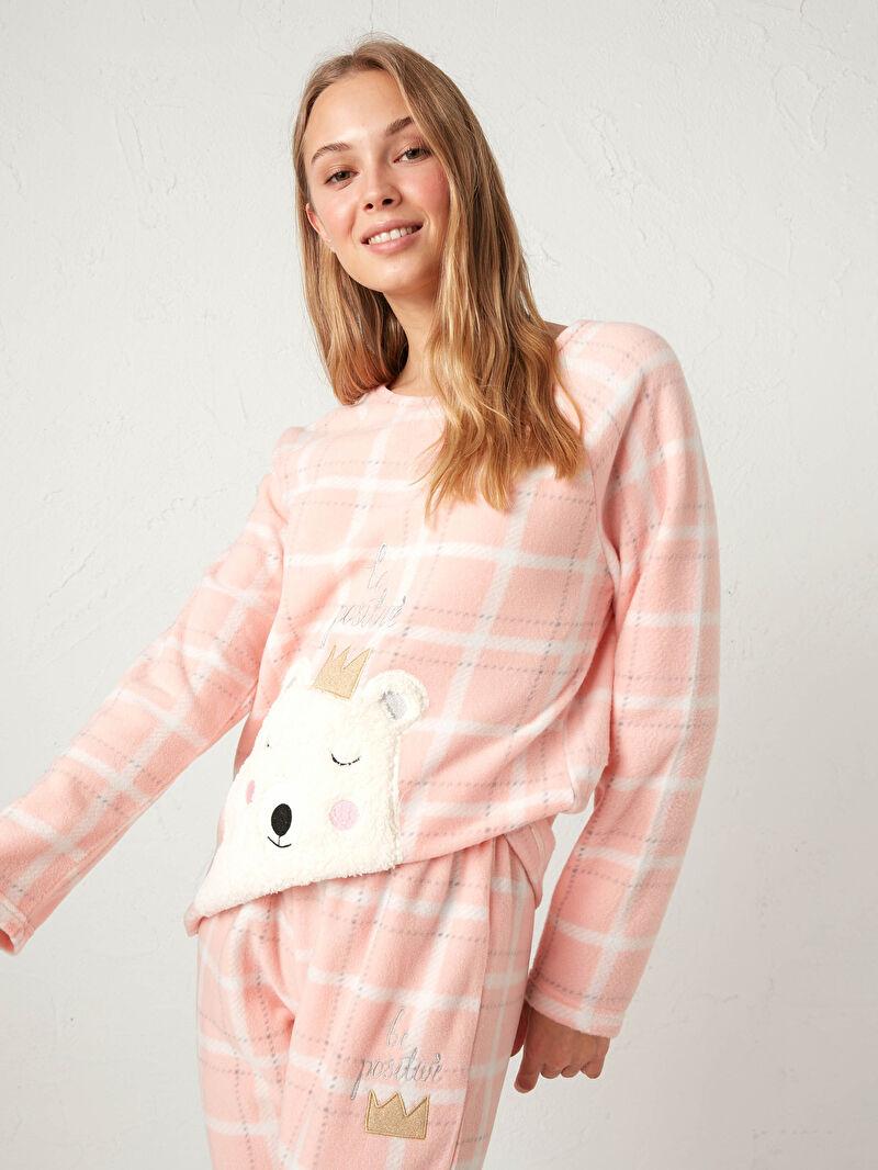 %100 Polyester  %100 Polyester  Nakışlı Standart Pijama Takım Bisiklet Yaka Polar Uzun Kol Nakışlı Polar Pijama Takımı