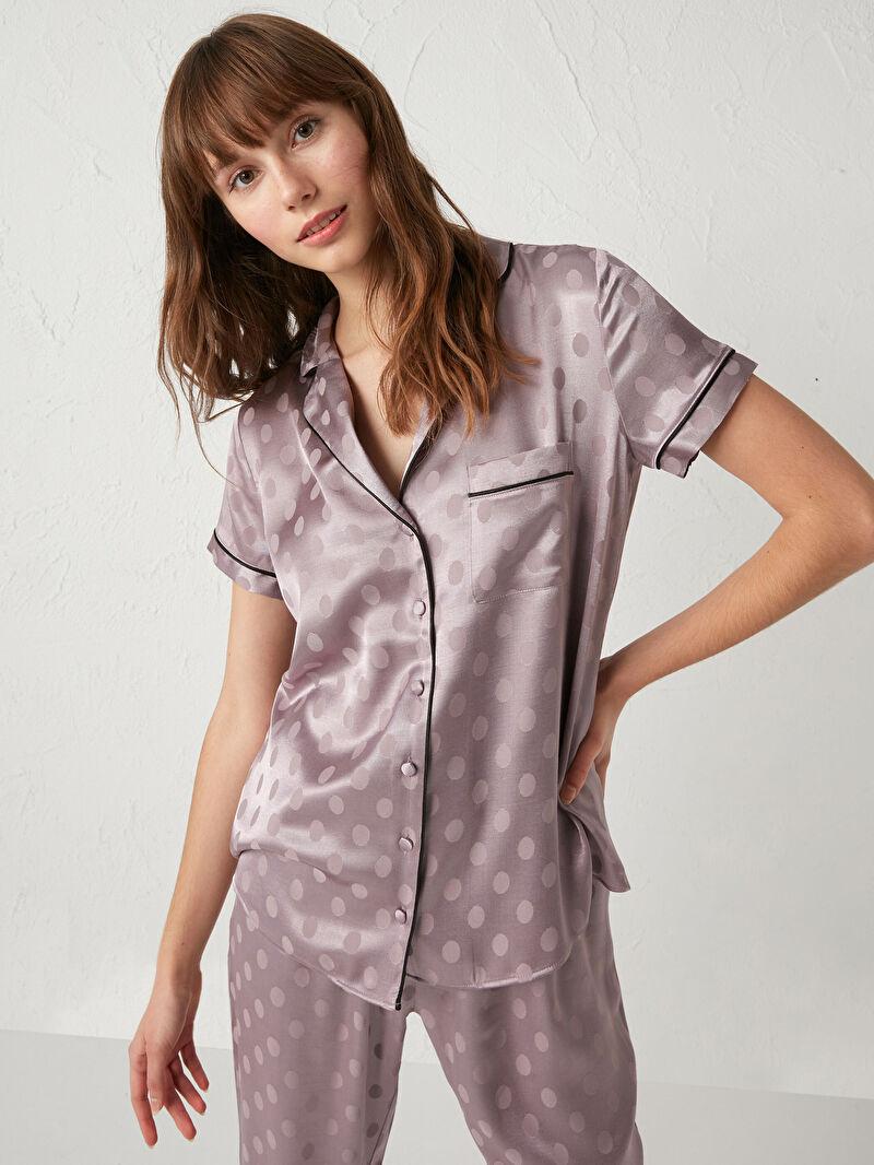 %55 VİSKOZ %45 Polyester  %55 VİSKOZ %45 Polyester  Desenli Aksesuarsız Saten Standart Gömlek Yaka İnce Pijama Takım Uzun Kısa Kol Puantiyeli Saten Pijama Takımı