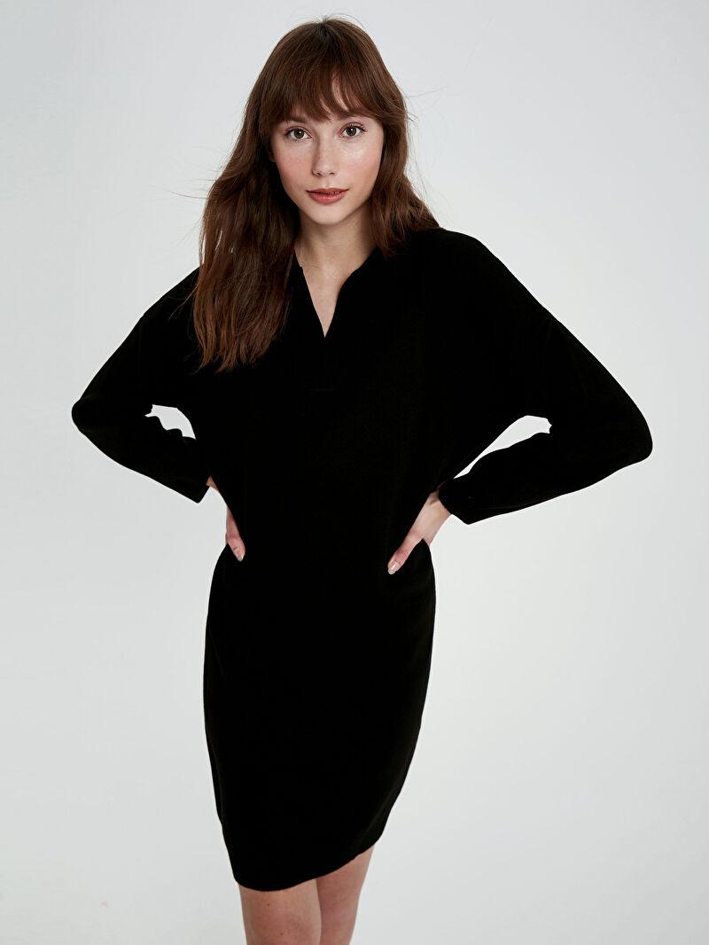 Siyah V Yaka Akrilik Triko Elbise 0WI842Z8 LC Waikiki