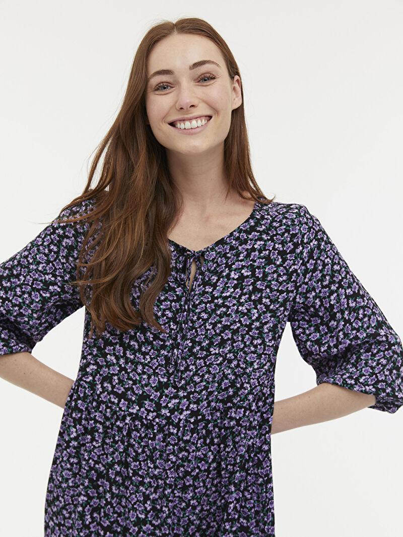 Kadın Yakası Bağlama Detaylı Çiçekli Viskon Elbise