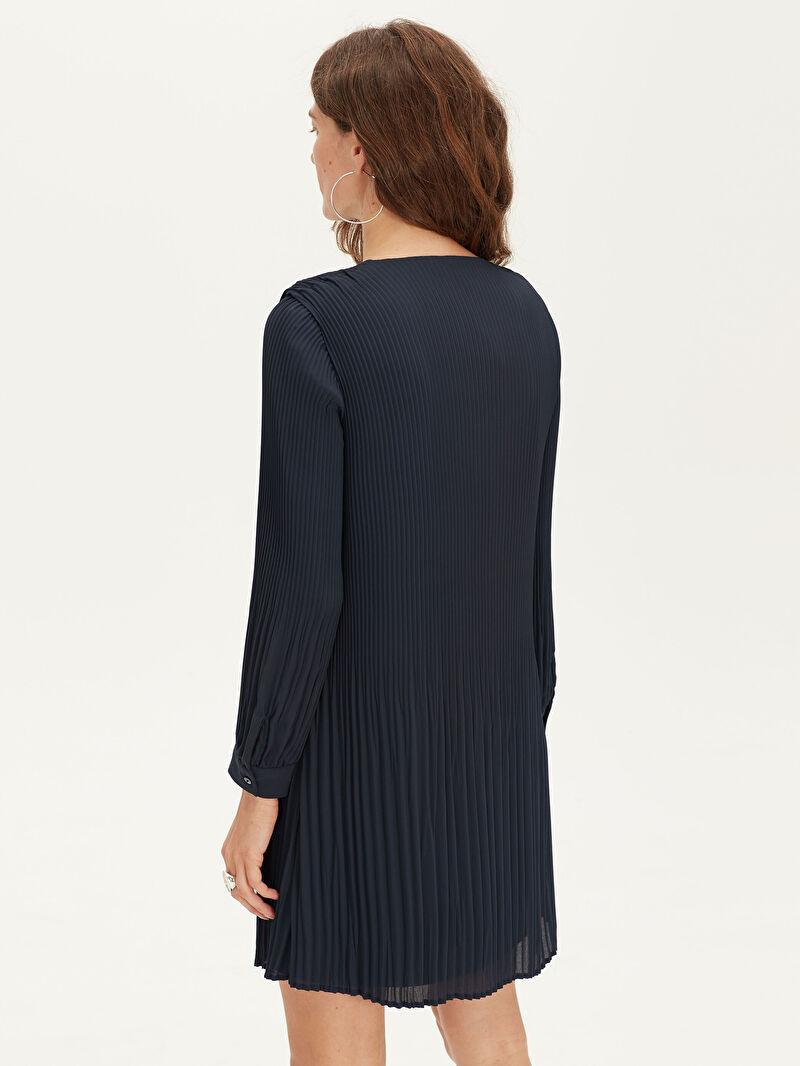 %100 Polyester  Pili Detaylı Şifon Elbise