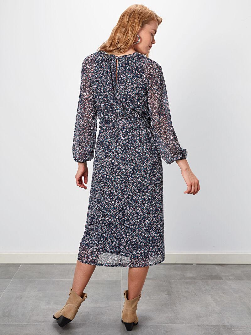 %100 Polyester  Çiçek Desenli Kuşaklı Şifon Elbise
